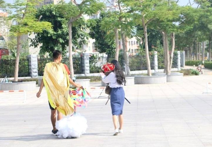 "Chang trai ""dap gio cuoi may"" den to tinh ban gai-Hinh-4"