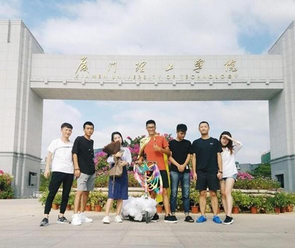 "Chang trai ""dap gio cuoi may"" den to tinh ban gai-Hinh-5"