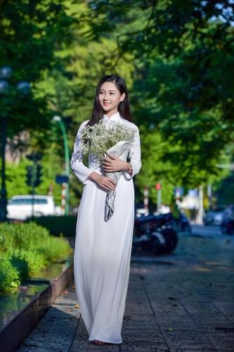 "Chi 22 giay, ""hot girl bikini"" truong Bao da hop hon bao nguoi-Hinh-5"