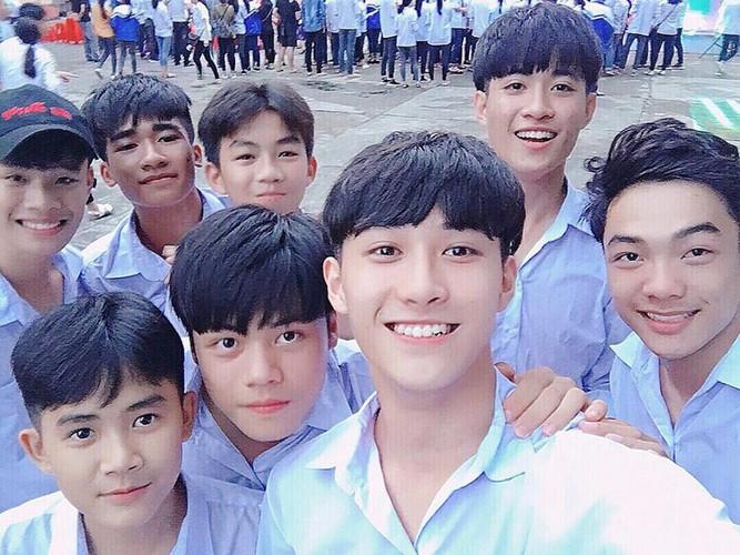 Hot boy Yen Bai duoc nhieu nguoi to tinh nhung van F.A-Hinh-6
