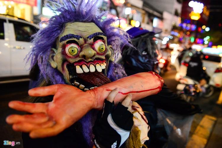 Gioi tre do ra duong Sai Gon don Halloween-Hinh-8