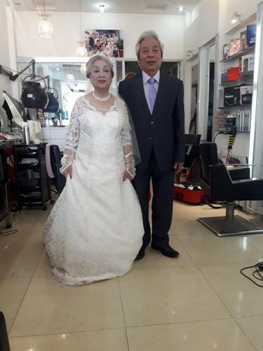 Cap doi U80 Hai Phong lam dam cuoi kim cuong gay sot-Hinh-5