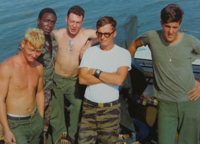 Nhin lai nhung chuyen tham VN cua ngoai truong My John Kerry-Hinh-3