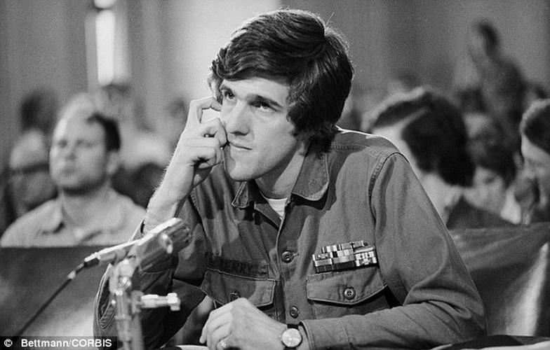 Nhin lai nhung chuyen tham VN cua ngoai truong My John Kerry-Hinh-4