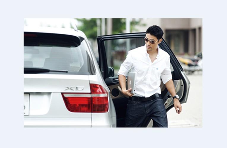 Soi nha dep, xe sang, vo duong nhu resort cua Johny Tri Nguyen-Hinh-7