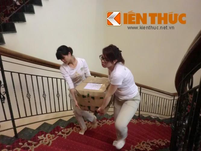 Bien nguoi chen lan mua hang hieu giam gia khung o Ha Noi-Hinh-10