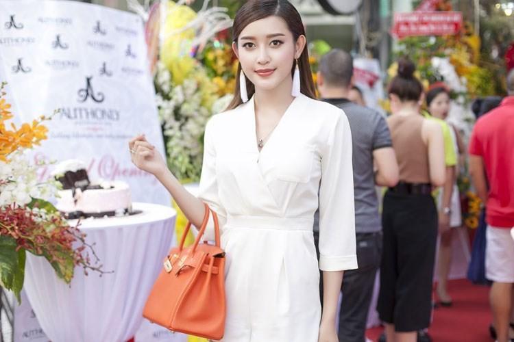 Choang vang hang hieu, trang suc tien ty cua A hau Huyen My-Hinh-5