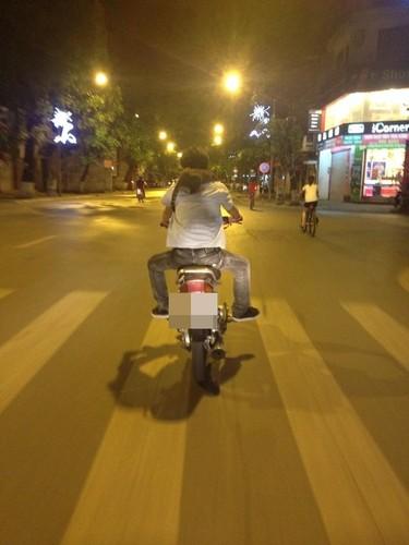 Hinh anh cuoi ra nuoc mat ve giao thong Viet Nam-Hinh-11