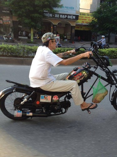 Hinh anh cuoi ra nuoc mat ve giao thong Viet Nam-Hinh-14