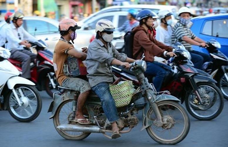 Tron mat voi du loai xe ca tang tung hoanh duong pho Viet Nam-Hinh-3