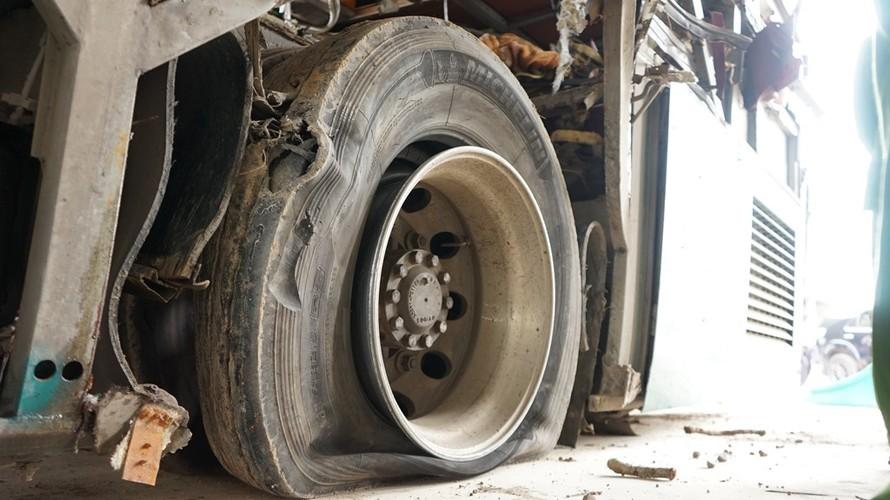 Can canh ben trong xe giuong nam phat no lam 2 nguoi chet-Hinh-11