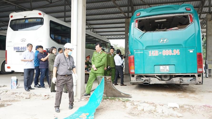 Can canh ben trong xe giuong nam phat no lam 2 nguoi chet-Hinh-8