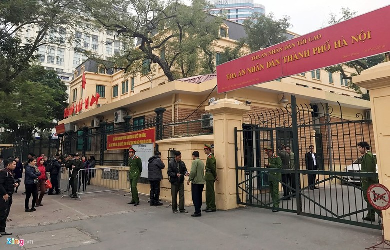 Anh: Xe dac chung dan giai Ha Van Tham va dong pham hau toa-Hinh-2