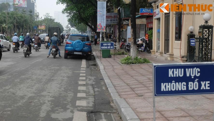 Anh: Duong pho Ha Noi la lam sau tuan le gianh lai via he-Hinh-14