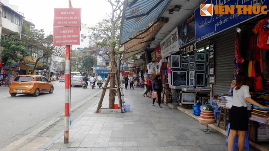 Anh: Duong pho Ha Noi la lam sau tuan le gianh lai via he-Hinh-3