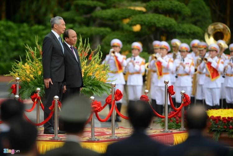Anh: Thu tuong Nguyen Xuan Phuc tiep Thu tuong Singapore Ly Hien Long