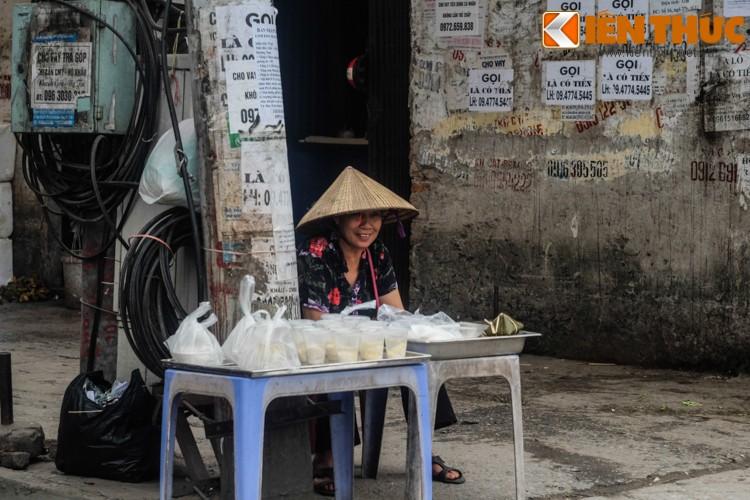 Anh: Nguoi Ha Noi xep hang dai mua banh troi banh chay-Hinh-15