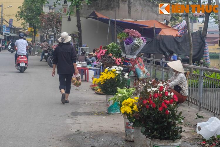 Anh: Nguoi Ha Noi xep hang dai mua banh troi banh chay-Hinh-17