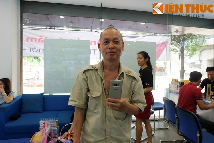 "Nhon nhip di mua hang ""nong"" Samsung Galaxy S8 Plus vua len ke-Hinh-8"