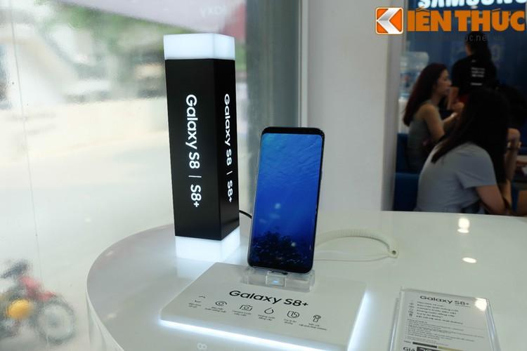 "Nhon nhip di mua hang ""nong"" Samsung Galaxy S8 Plus vua len ke-Hinh-9"