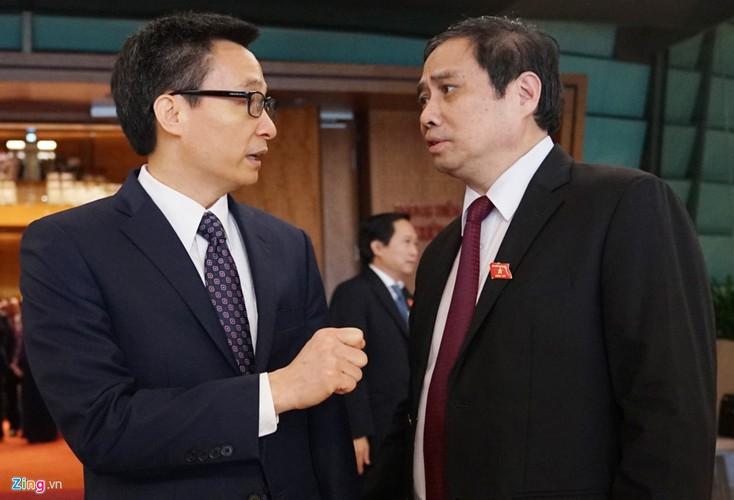 Anh: Dai bieu tro chuyen vui ve ben hanh lang Quoc hoi-Hinh-9