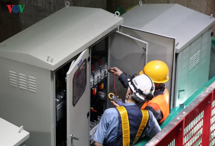 Anh: Can canh tuyen metro so 1 TP HCM ngon ngang doi von-Hinh-18