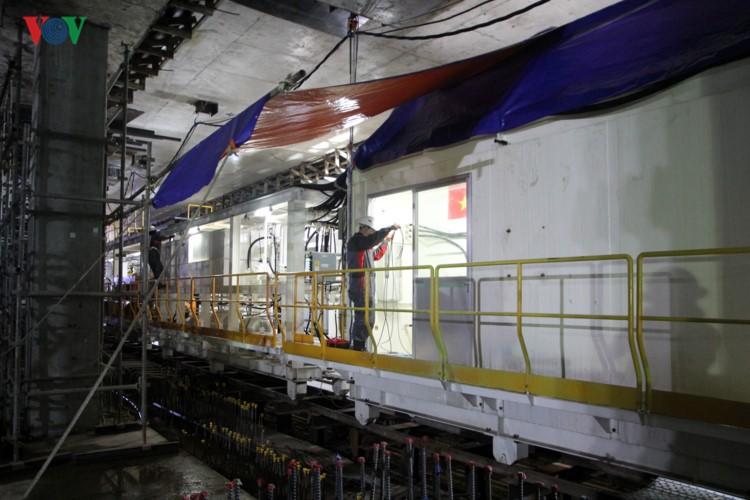 Anh: Can canh tuyen metro so 1 TP HCM ngon ngang doi von-Hinh-24