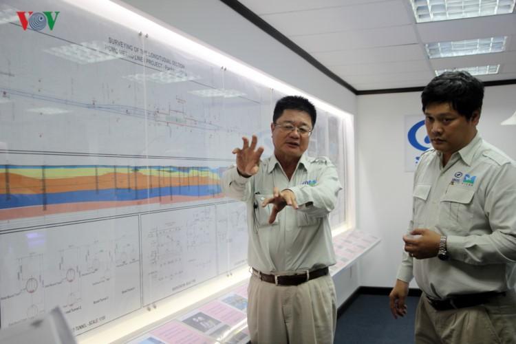 Anh: Can canh tuyen metro so 1 TP HCM ngon ngang doi von-Hinh-25