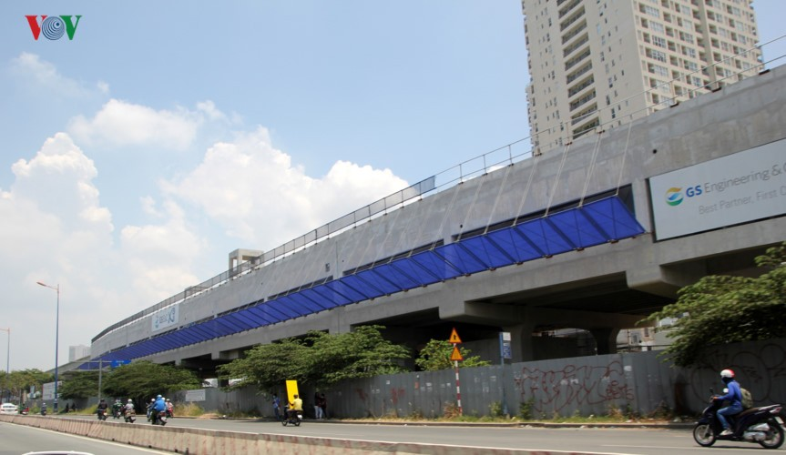 Anh: Can canh tuyen metro so 1 TP HCM ngon ngang doi von-Hinh-3