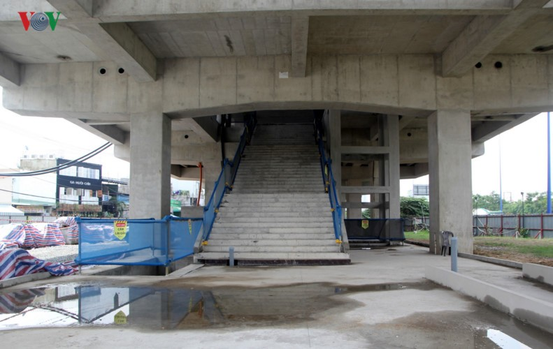 Anh: Can canh tuyen metro so 1 TP HCM ngon ngang doi von-Hinh-6