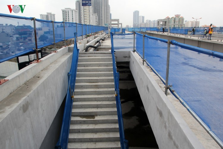 Anh: Can canh tuyen metro so 1 TP HCM ngon ngang doi von-Hinh-8