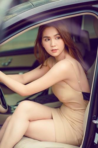 "Sap lam ""da nu"" phim 3 ty, Ngoc Trinh van mem yeu chuyen yeu?-Hinh-2"