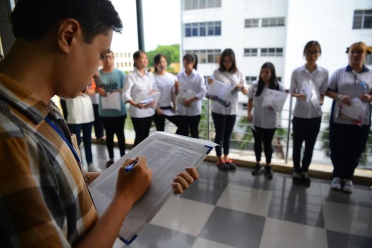 Nhung cau chuyen cuc an tuong trong ky thi THPT Quoc gia 2017-Hinh-8