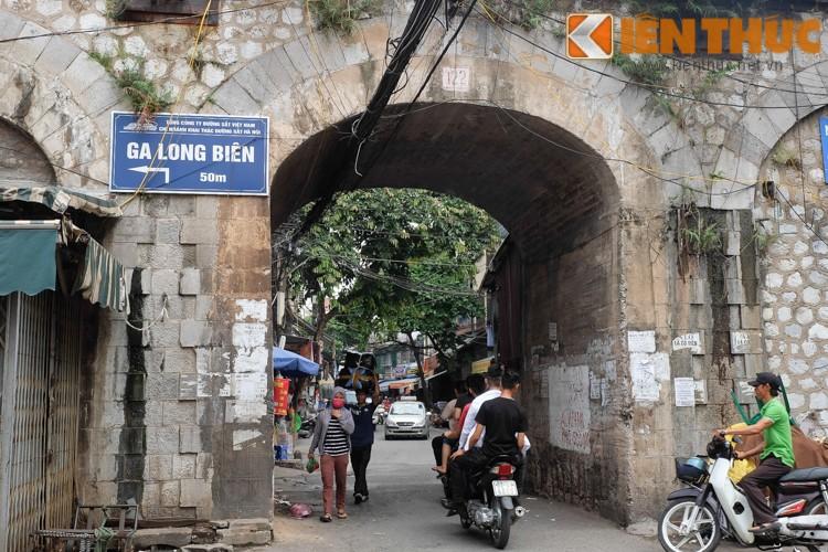 Anh: Can canh 127 vom cau o pho co Ha Noi sap duc thong-Hinh-12