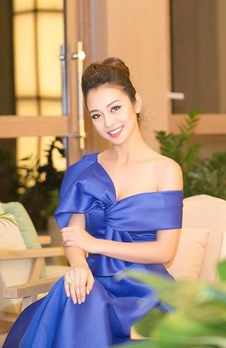 Jennifer Pham - hoa hau 3 con van khien dan ong me dam-Hinh-5