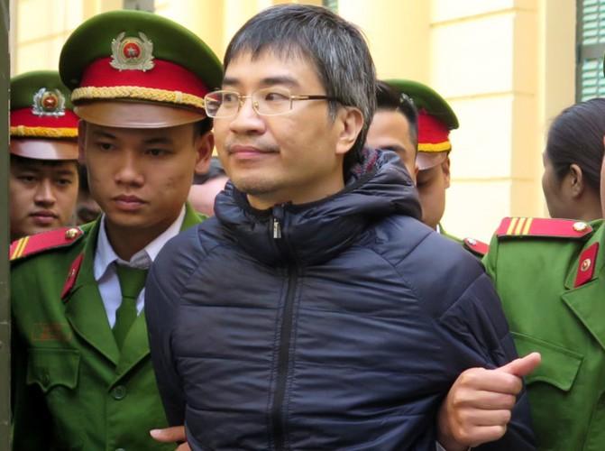 Xu phuc tham Giang Kim Dat: Chi tiet bat ngo trong ngay dau tien-Hinh-3