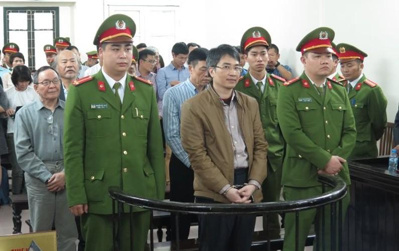 Xu phuc tham Giang Kim Dat: Chi tiet bat ngo trong ngay dau tien-Hinh-6