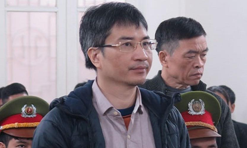 Xu phuc tham Giang Kim Dat: Chi tiet bat ngo trong ngay dau tien