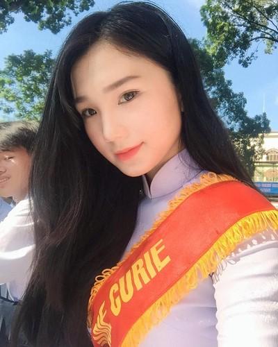Nhung nu sinh xinh dep hut hon nhat mua khai giang 2017-Hinh-2