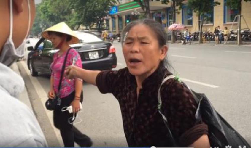 """Cai ket dang cua """"hot girl"""" ban tam lua dao o Ho Guom-Hinh-8"""