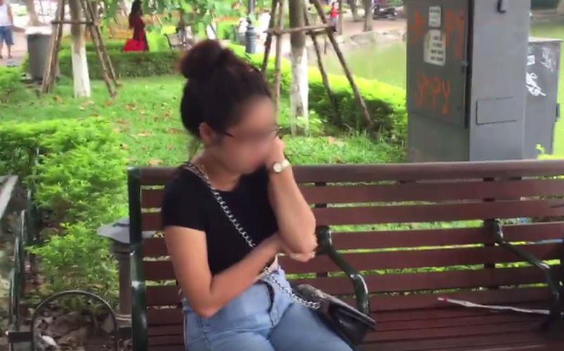 "Cai ket dang cua ""hot girl"" ban tam lua dao o Ho Guom"
