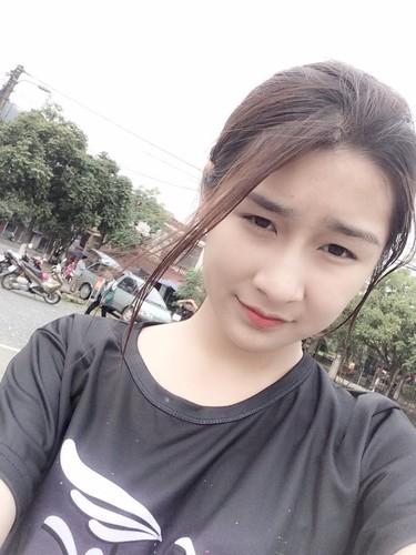 "Hot girl Lao Cai ""noi tieng"" vi nham la anh bia sach GDCD-Hinh-6"