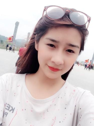 "Hot girl Lao Cai ""noi tieng"" vi nham la anh bia sach GDCD-Hinh-7"