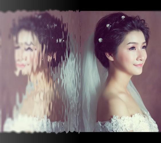 "Hot girl Lao Cai ""noi tieng"" vi nham la anh bia sach GDCD-Hinh-8"