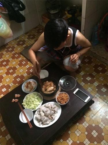 "Phat hon truoc mam com ""chong tuong lai"" tro tai vao bep-Hinh-9"