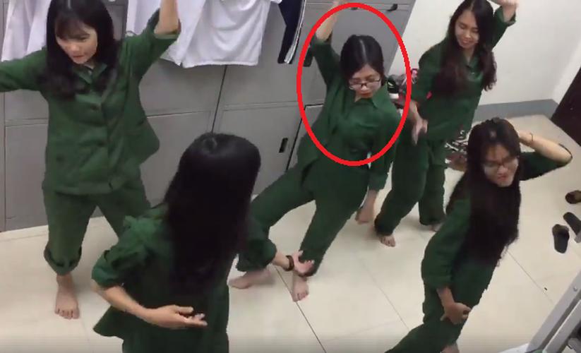 """9X Nghe An noi tieng vi nhay Bong bong bang bang sieu """"lay""""-Hinh-4"""
