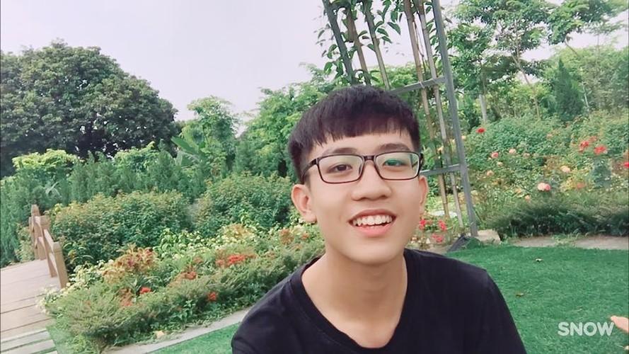 Danh tinh my nam 2002 co nu cuoi hop hon dan mang-Hinh-8