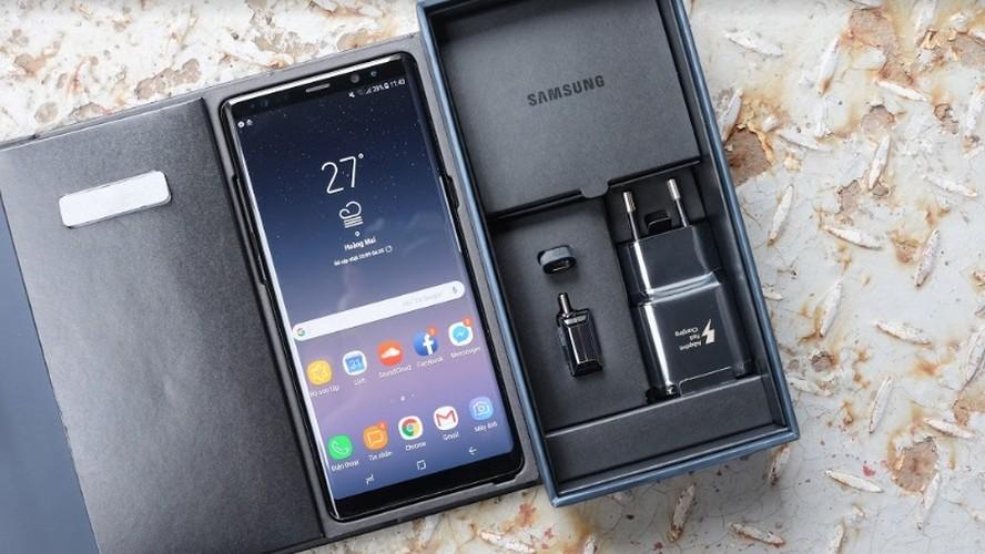 Mo hop Galaxy Note 8, doi thu so 1 cua iPhone X-Hinh-3