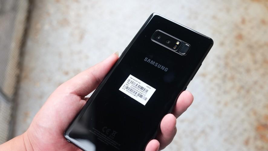 Mo hop Galaxy Note 8, doi thu so 1 cua iPhone X-Hinh-4