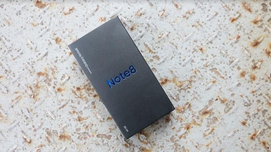 Mo hop Galaxy Note 8, doi thu so 1 cua iPhone X